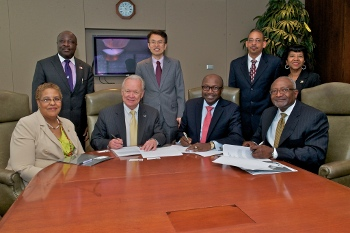 Texas Southern University administrators sign MOU with EPA Region 6 Administrator Ron Curry