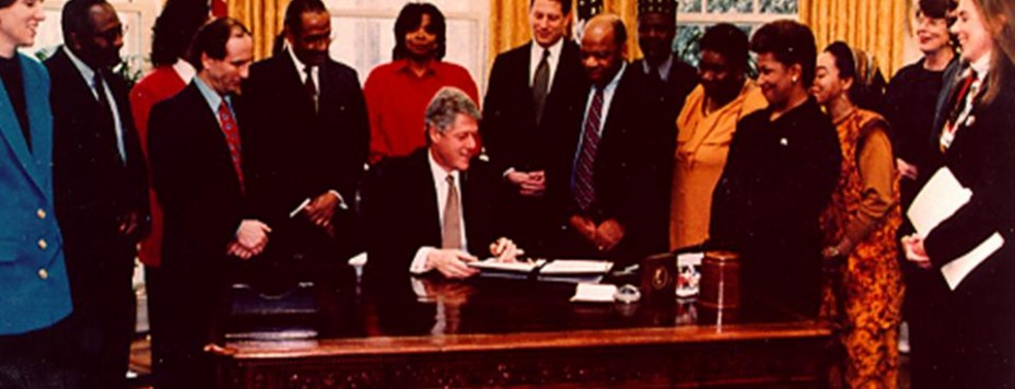 President Clinton Signs Environmental Justice Executive Order in White House Oval Office, Washington, DC 1994